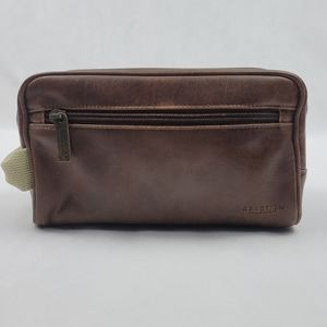Kenneth Cole Reaction brown leather toiletries bag